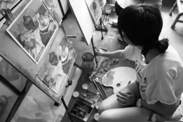 美术生绘画图