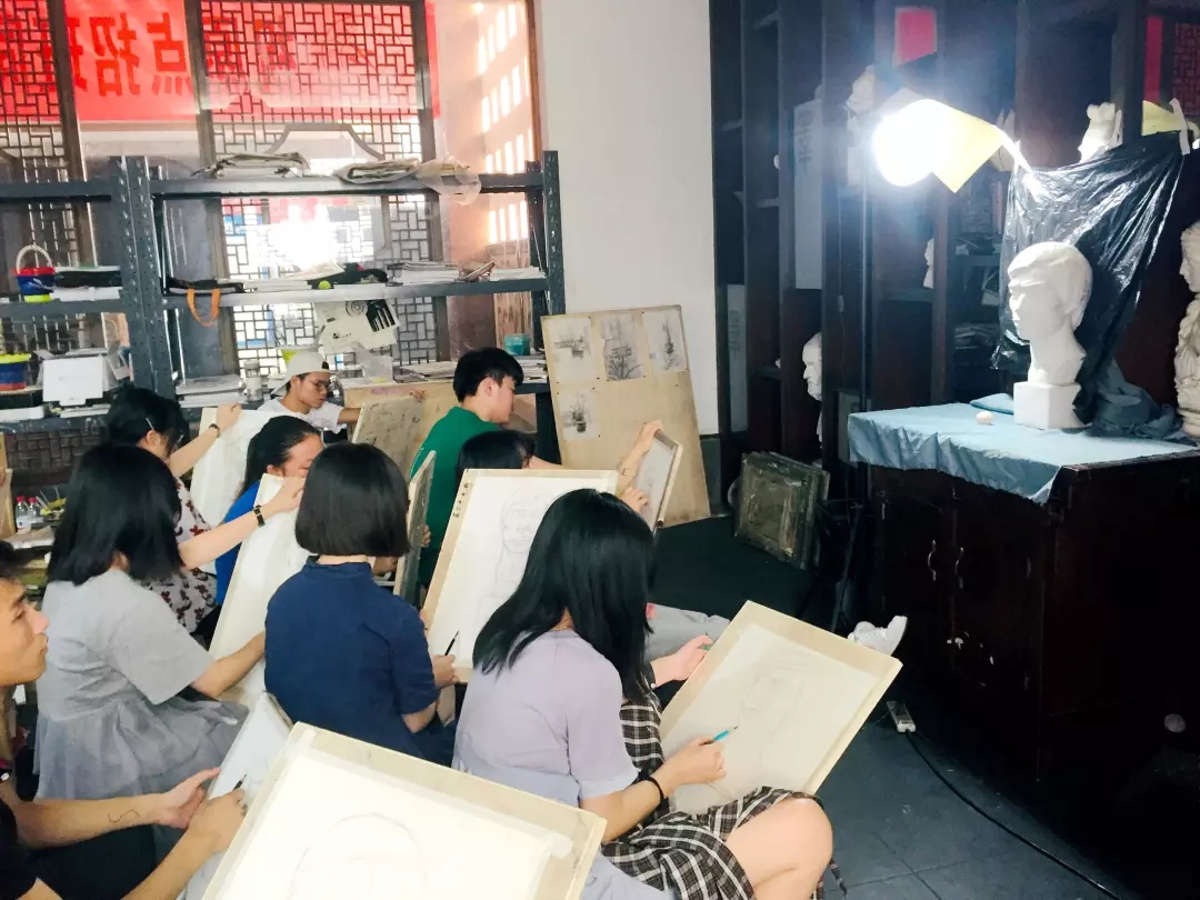 成都易森画室,成都美术寒假班画室,美术招生简章      06