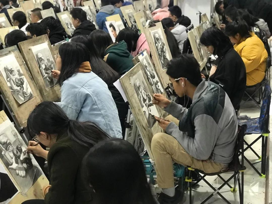 易森画室邀请素描大师陈平授课与交流