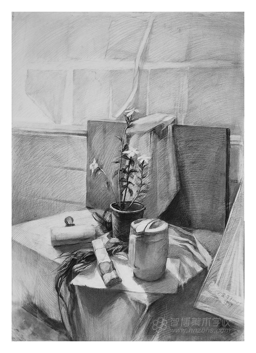 精微素描作品插花瓶