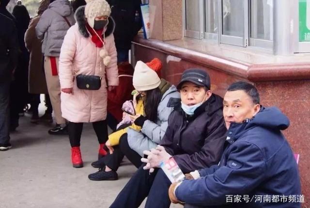 艺考资讯| 航班延误,艺考生妈妈机场急哭